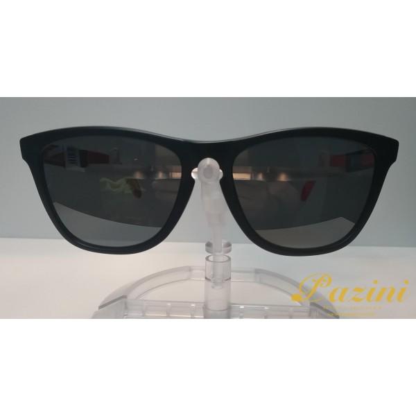 Óculos de Sol Oakley modelo Frogskins Mix Coleção Marc Marquez OO9428