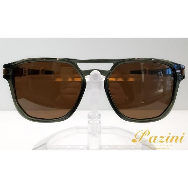 Óculos de Sol Oakley modelo Latch Beta OO9436